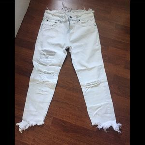 Carmar from LF white straight leg jeans size 25